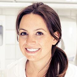 Dr. Claudia Schleussner-Samuel